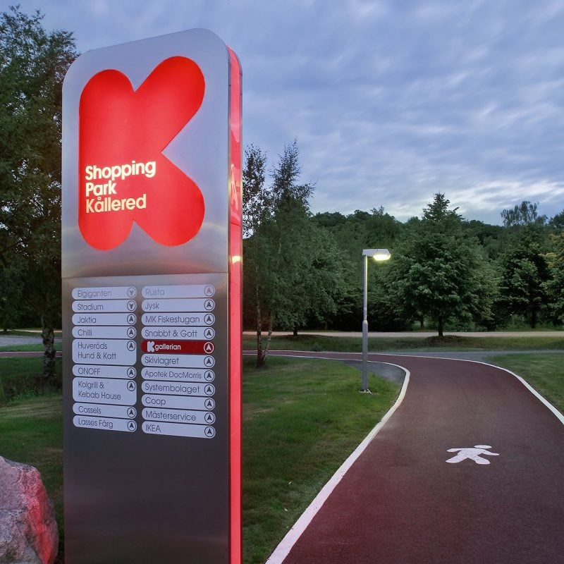outdoor way-finding signage for Kallered shopping park