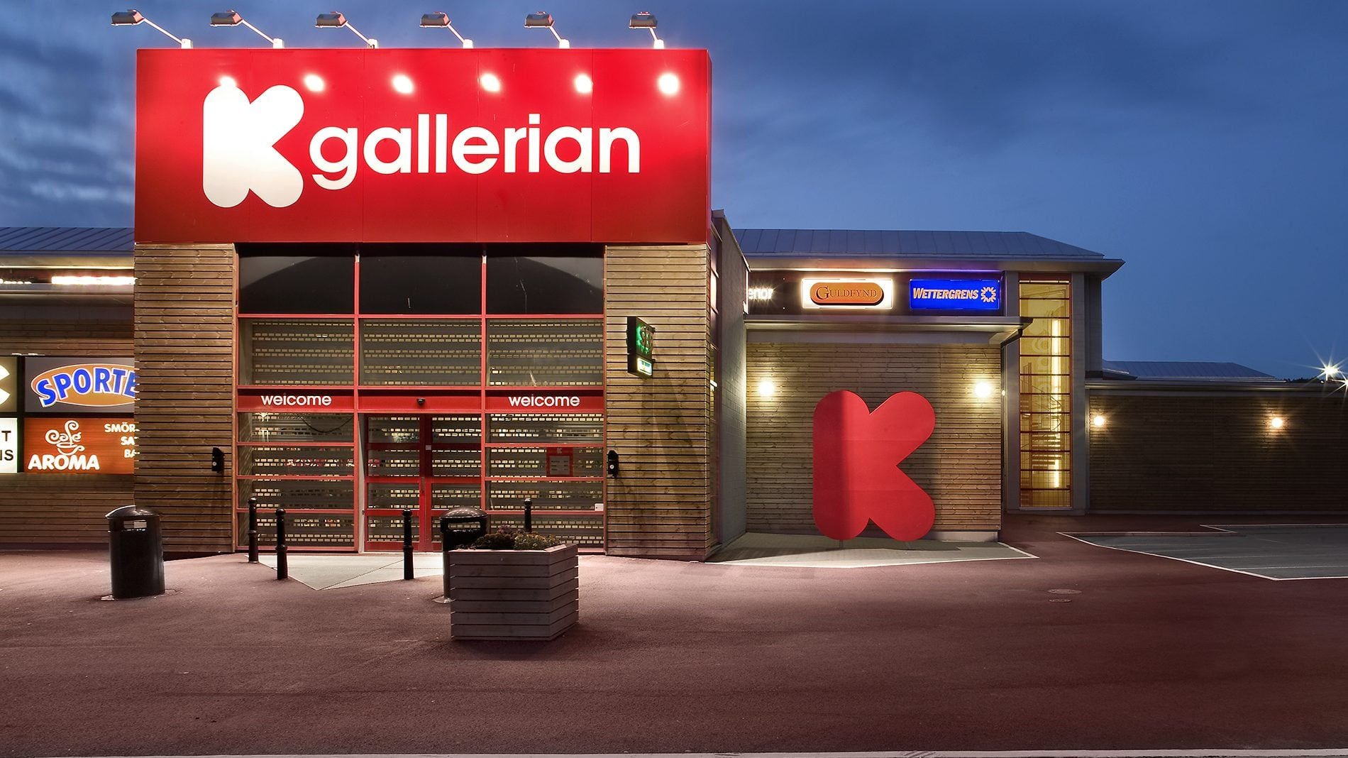 Front entrance exterior signage for Kallered shopping park