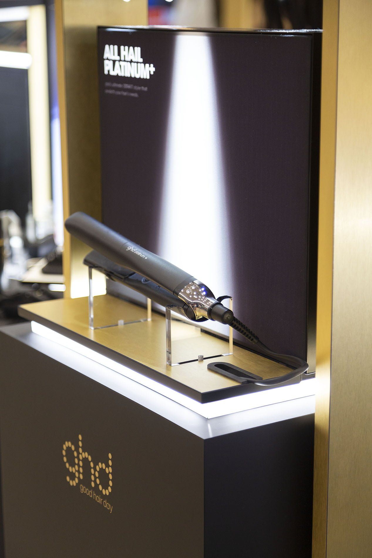 GHD hair straighter